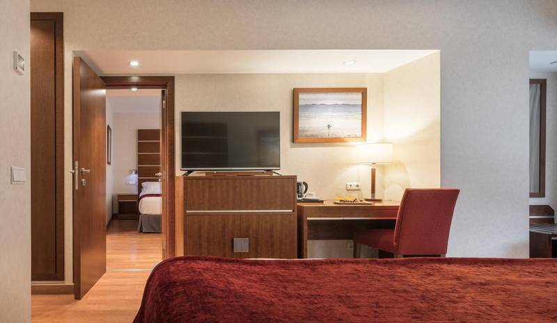 CONNECTED DOUBLE ROOM ILUNION MÁLAGA -  -